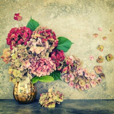 Фотообои Hortensia цветы букет камень фон старинные тонированное