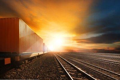 Фотообои промышленность контейнерных поездов, работающих на железных дорогах отслеживать против кавалера
