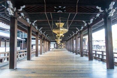 Фотообои Интерьер деревянного храма Синто Ниси Хонгандзи в Киото - Хонсю - Япония - Азия