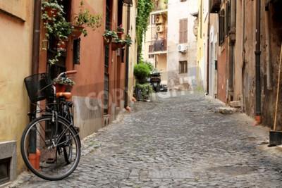 Фотообои Италия, улица с велосипедом и цветами в Риме