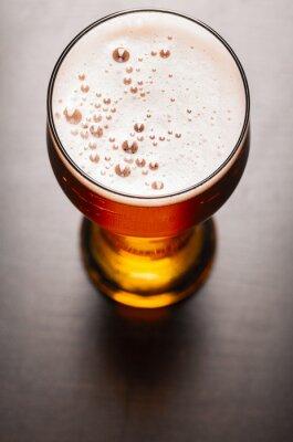 Фотообои Светлое пиво на стол
