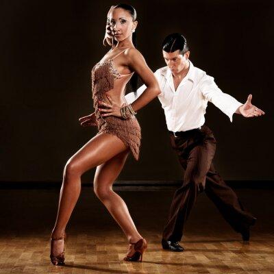 Фотообои латиноамериканские танцы пара в действии