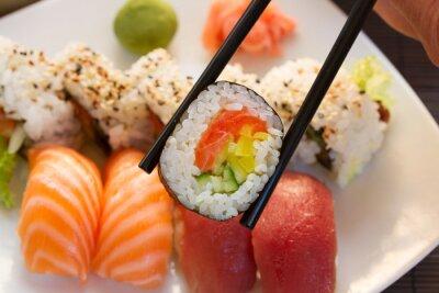 Фотообои обед с суши блюдо