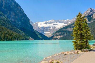 Фотообои Величественный горное озеро в Канаде. Луиза Вид на озеро в Банф, Альберта, Канада. Скалистые горы.
