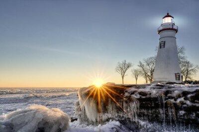 Фотообои Марблхэд Маяк зимний восход