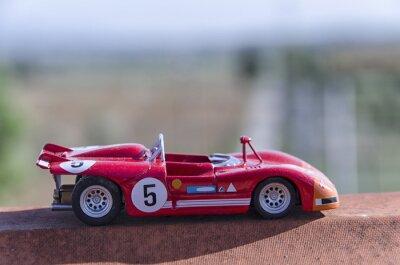 Фотообои Модель старого гоночного автомобиля на солнце