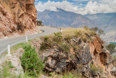Фотообои Горная дорога между Balsas и Leimebamba, Перу.