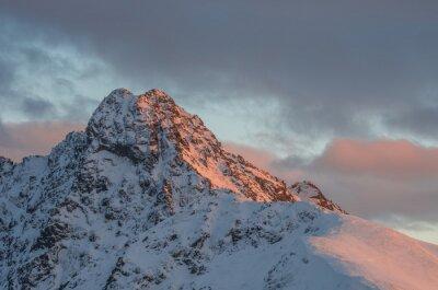 Фотообои Вид на горы закат зимой в Высоких Татрах - Swinica пик на польско - словацкой границы
