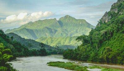 Фотообои Горы Rainforest речной пейзаж в Северном Лаосе