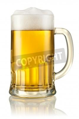 Фотообои Кружка с пивом, изолированные на белом с отсечения путь