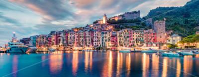 Фотообои Фантастическая весенняя панорама города Портовенере. Великолепная вечерняя сцена Средиземного моря, Лигурия, провинция Ла Специя, Италия, Европа. Концепция путешествия концепции.