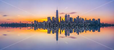 Фотообои Отражение Нью-Йорка на рассвете