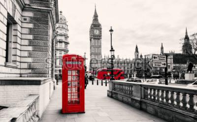Фотообои Красная телефонная будка в Лондоне
