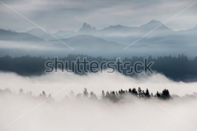 Фотообои Туманный горный пейзаж в Британской Колумбии, Канада