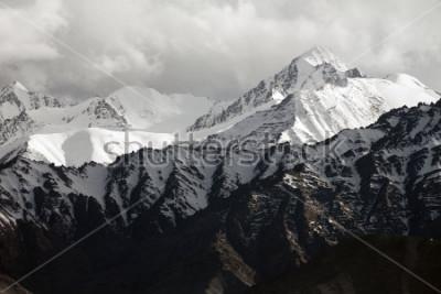 Фотообои Snow mountain range, Leh Ladakh, India