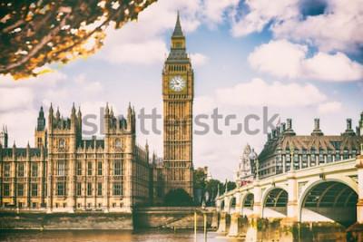 Фотообои Город Лондона в листве падения - предпосылка значка перемещения назначения Европы Autum.
