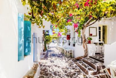 Фотообои Красивая улица на острове Парос, Греция