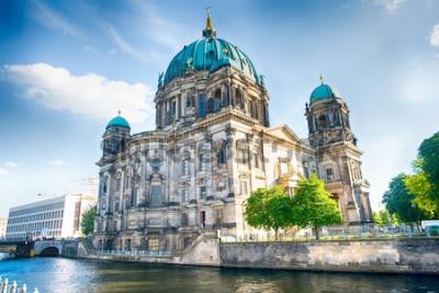 Фотообои Берлинский собор в Берлине в прекрасный летний день