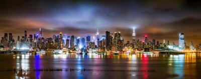 Фотообои Нью-Йорк Панорама на облачной ночи смотреть из Нью-Джерси через реку Гудзон