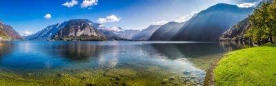 Фотообои Обзор кристально чистого горного озера в Альпах