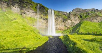 Фотообои панорама с рекой и водопадом в Исландии
