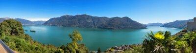 Фотообои Панорамный вид на озеро Маджоре