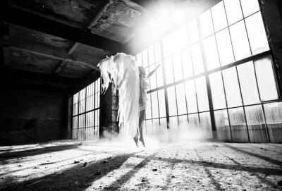 Фотообои Фото с человека и крыльями ангела