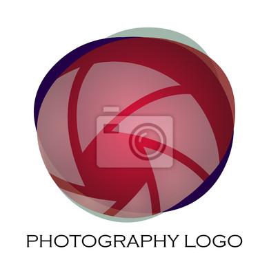 фото логотип русриск прошелся поляне туристами