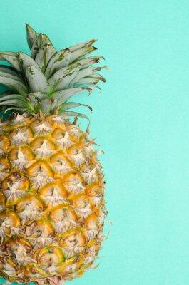Фотообои Ананас фруктов на зеленом фоне