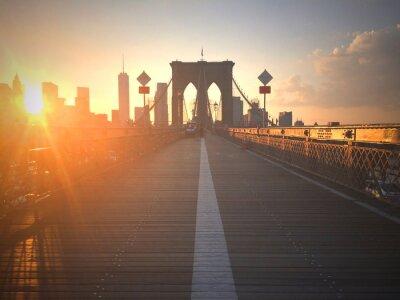 Фотообои Ponte di Brooklyn al tramonto con vista di New York