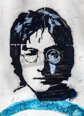 Фотообои ПРАГА, ЧЕШСКАЯ РЕСПУБЛИКА - 29 АПРЕЛЯ 2016 ГОДА: Стена Джона Леннона, портрет. Стена была наполнена Lennon вдохновил граффити и тексты песен Beatles с 1980-х годов как раздражение коммунизма