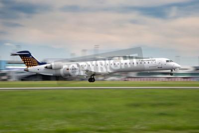 Фотообои Прага, Чешская Республика - 13 мая: Eurowings Bombardier CRJ-900 NG земли в аэропорту PRG 13 мая 2015 Eurowings является немецкий лоу-кост авиакомпания, базирующаяся в Дюссельдорфе.