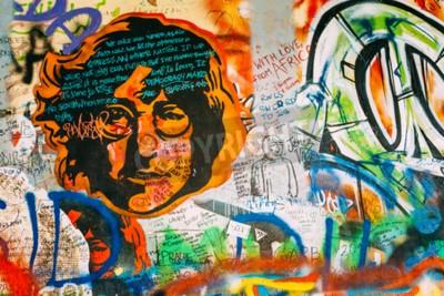 Фотообои Прага, Чехия - 10 октября, 2014: - Джон Леннон Стена Знаменитые места в Праге. Стена заполнена Джона Леннона вдохновили граффити и тексты песен из песен Битлз