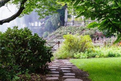 Фотообои Довольно путь в красивый летний сад