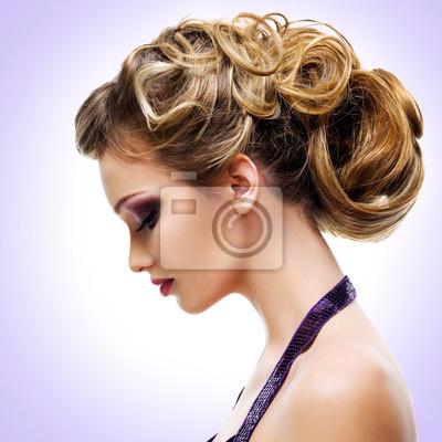 Фотообои Профиль портрет женщины с моды прическа