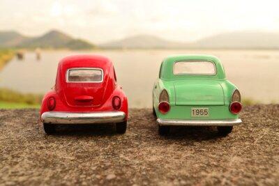 Фотообои Красный и зеленый игрушка автомобиль парк пара на дороге