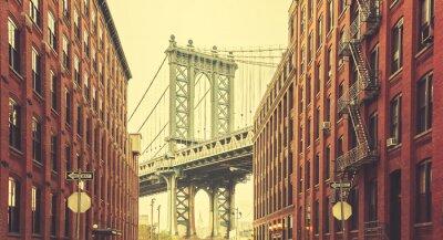 Фотообои Ретро стилизованный Манхэттенский мост видно из Дамбо, Нью-Йорк.