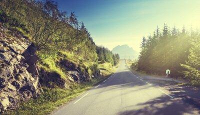 Фотообои дорога в горы, Лофотенских островах, Норвегия