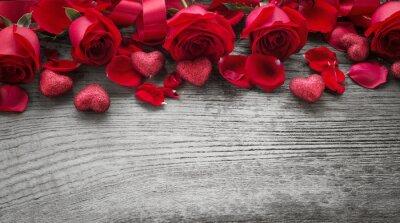 Фотообои Розы на деревянной доске