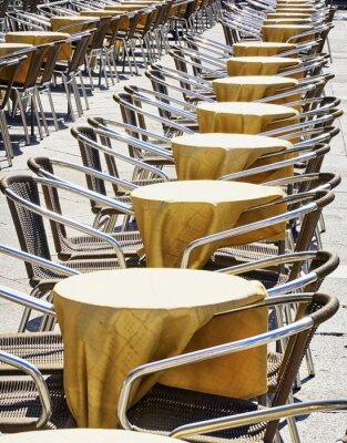 Фотообои ряды стульев