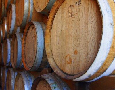 Фотообои Ряды винных бочек