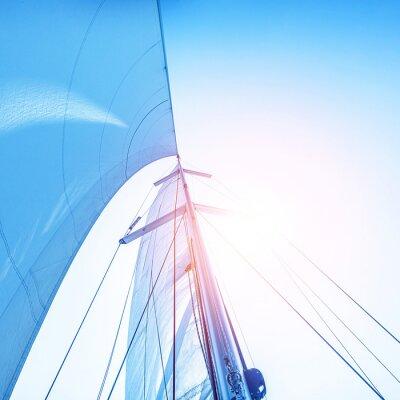 Фотообои Парус на фоне голубого неба