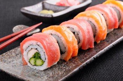 Фотообои Лосось и тунец суши-ролл