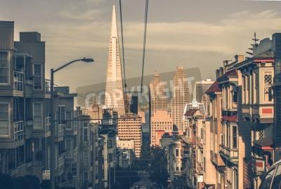 Фотообои Город Сан-Франциско на закате с небоскребами в центре города. Сан-Франциско, Калифорния, США. Архитектура Сан-Франциско в Vintage Color Grading.