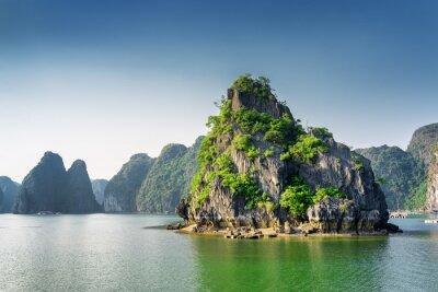 Фотообои Живописный вид на залив Халонг, Южно-Китайское море, Вьетнам