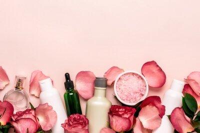 Фотообои Набор натуральной косметики из роз. Концепция красоты и ухода за кожей