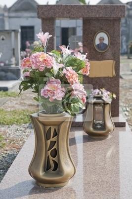 Вазоны для кладбища