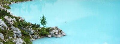 Фотообои Sorapis озеро, горы Доломиты