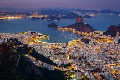 Фотообои Эффектный вид с воздуха над Рио-де-Жанейро, как видно из Корковадо. Знаменитый горный Сахарная Голова торчит залив Гуанабара