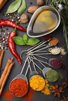Фотообои натюрморт со специями и оливковым маслом